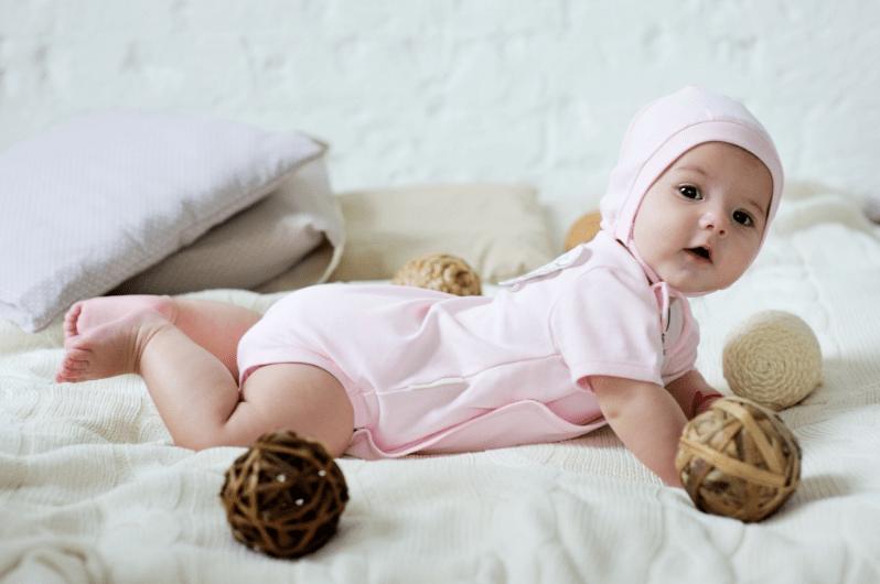 Как одевать боди поверх ползунков