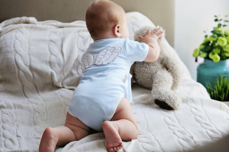 Как одевать боди новорожденному с ползунками